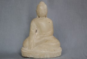 白い石の仏陀坐像   タイ国  17~18世紀