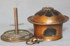真鍮製お堂形虫籠(?)