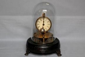 変形鉄製三つ足付時計 19~20世紀 西欧物