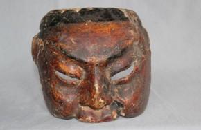 顔に文様のある木彫面 江戸時代