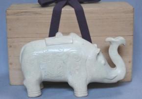 中国玉製象の置物