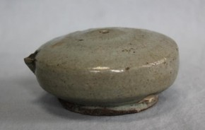李朝白磁円形水滴 李朝時代後期