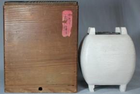 白備前糸巻形大香炉 銀火屋付 江戸時代中期
