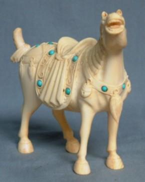 象牙製飾り馬     盗まれました