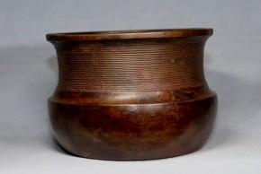 古銅餌畚(えふご)形建水   江戸時代