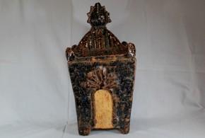 琉球飴釉御殿形厨子甕(1)  19世紀  壺屋
