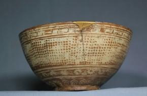 三島暦手茶碗(赤出来)   高麗末期~李朝時代初期  伝世品(共箱入)