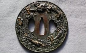 鍔(37)銅魚子地登竜門図金象嵌円形覆輪大鍔 江戸時代