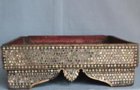 螺鈿雲母製説相箱(?) 14~15世紀