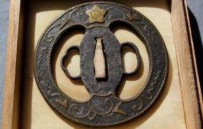鍔(87)鉄地平安城金象嵌鍔 江戸時代