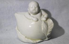 中国白磁桃子供水滴 清朝時代