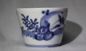 古伊万里岩牡丹図蕎麦猪口(34) 江戸時代中期