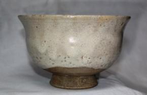 李朝熊川形斑釉撥高台茶碗 16~17世紀