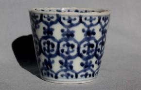 古伊万里瓔珞文蕎麦猪口(73) 江戸時代中期