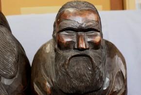 木彫アイヌ老夫婦坐像(1-1)   明治~大正時代