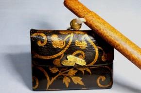 革製腰差煙草入.網代煙管入.銀製煙管(15)   幕末~明治時代  無垢の金使用か