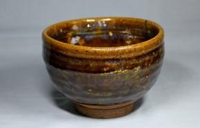 尾呂飴釉碗形茶碗   江戸時代中期