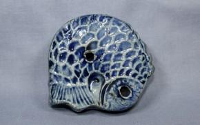 李朝瑠璃釉陽刻魚型水滴(1)   李朝時代後期