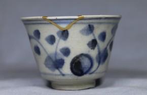 初期伊万里なずな文猪口(掘りの手)(1)  江戸時代初期   本物保証