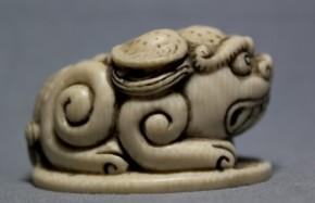 中国象牙製獅子根付(9)