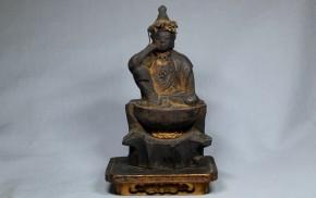 厨子入木彫漆箔如意輪観音坐像(1)  江戸時代