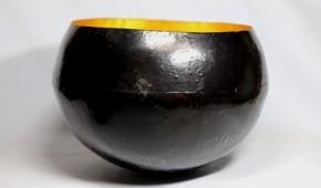 内金箔貼り黒漆塗り鉄鉢菓子器    桃山~江戸時代初期