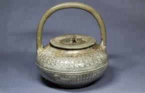 高麗青磁白象嵌持手蓋付水盂(茶入仕立)   李朝時代初期