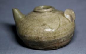 古美濃灰釉蓮弁文水滴(31)   鎌倉時代