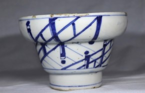 古染付橋図台鉢(菓子器)   明末~清朝初期