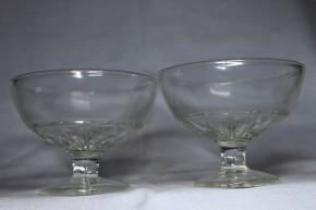 プレス成型透明氷コップ(2)  2個   大正~昭和時代