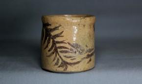 絵志野立酒盃(4)   江戸時代中期