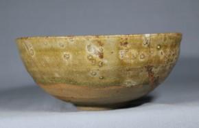 古瀬戸灰釉碗(掘りの手)   鎌倉時代