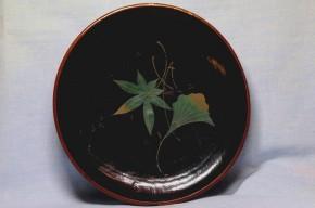 浄法寺塗銀杏葉楓葉図皿(2)   江戸時代後期