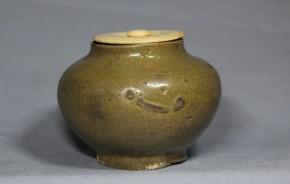 高麗青磁小壺(茶入仕立.象牙蓋)  李朝時代初期