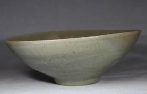 高麗青磁陽刻文鉢   高麗時代(12~13世紀)