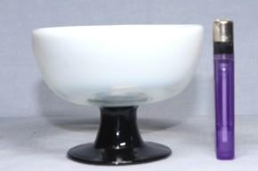 乳白暈し黒足氷コップ(1)   大正時代~昭和時代  本物保証