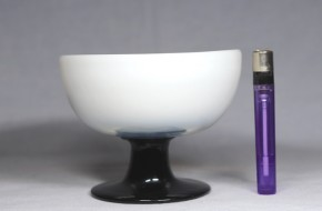 乳白暈し黒足氷コップ(2)   大正時代~昭和時代  本物保証