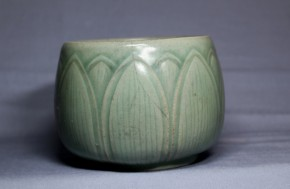 高麗青磁陽刻蓮弁文茶碗   高麗時代(12世紀)