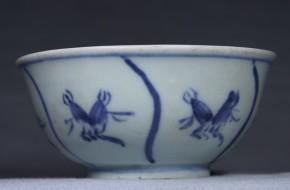 李朝分院手染付なずな文猪口  李朝時代後期(18世紀末)