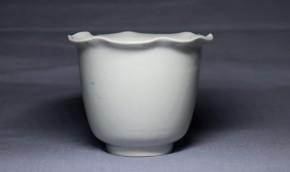 古伊万里白磁花弁形猪口(230) 柿右衛門手  江戸時代中期  本物保証