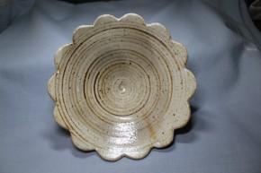 志野織部輪花形鉢   江戸時代中期