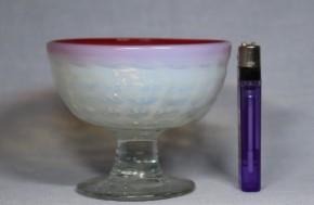 縁赤乳白暈し型吹碗型格子文氷コップ   明治~大正時代  本物保証