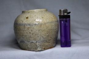 中国南方系灰釉染付小壺   17~18世紀
