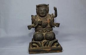 木彫六臂の三面大黒像     江戸時代