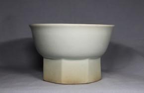 李朝金沙里白磁台付鉢(1)   李朝時代中期
