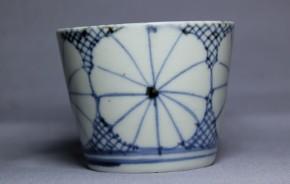 古伊万里氷裂菊花文蕎麦猪口(208)   江戸時代中期   本物保証