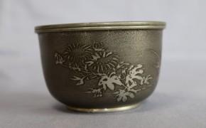 間村自造本錫製四君子鶴図建水   煎茶道具  在銘