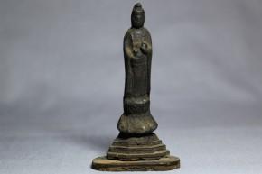 銅製観音像(念持仏)   室町時代  台座は後世の木製漆箔
